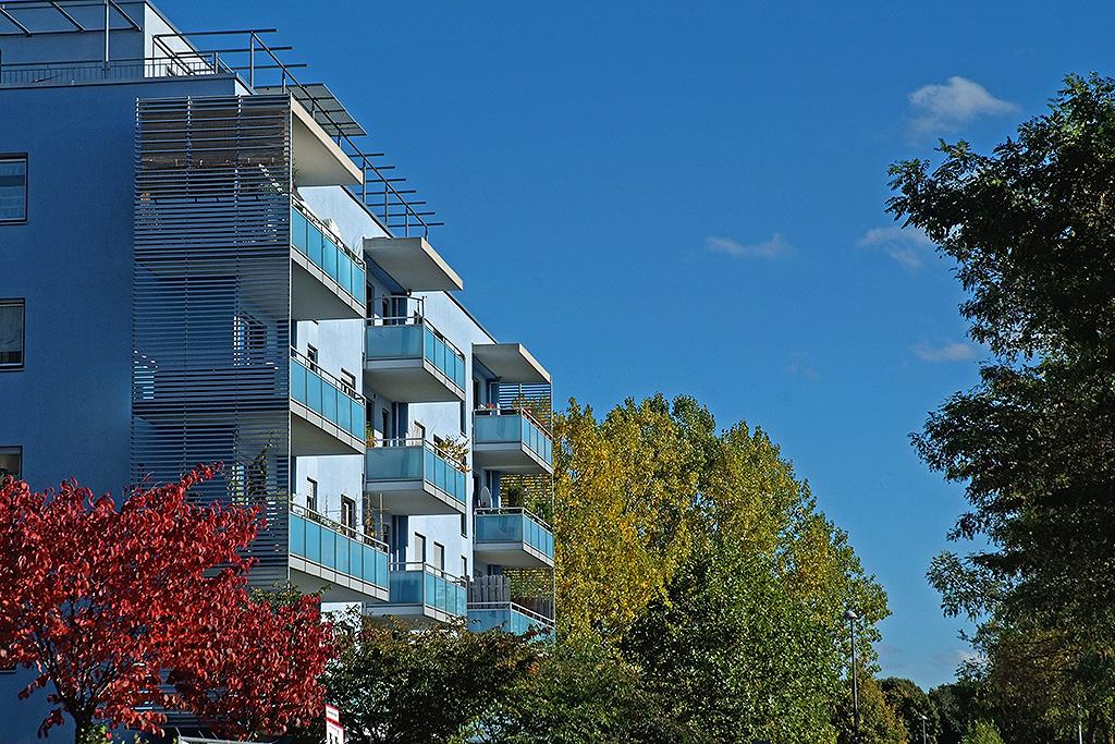 Leuchtene Häuserfassaden in der  Parkstadt Schwabing