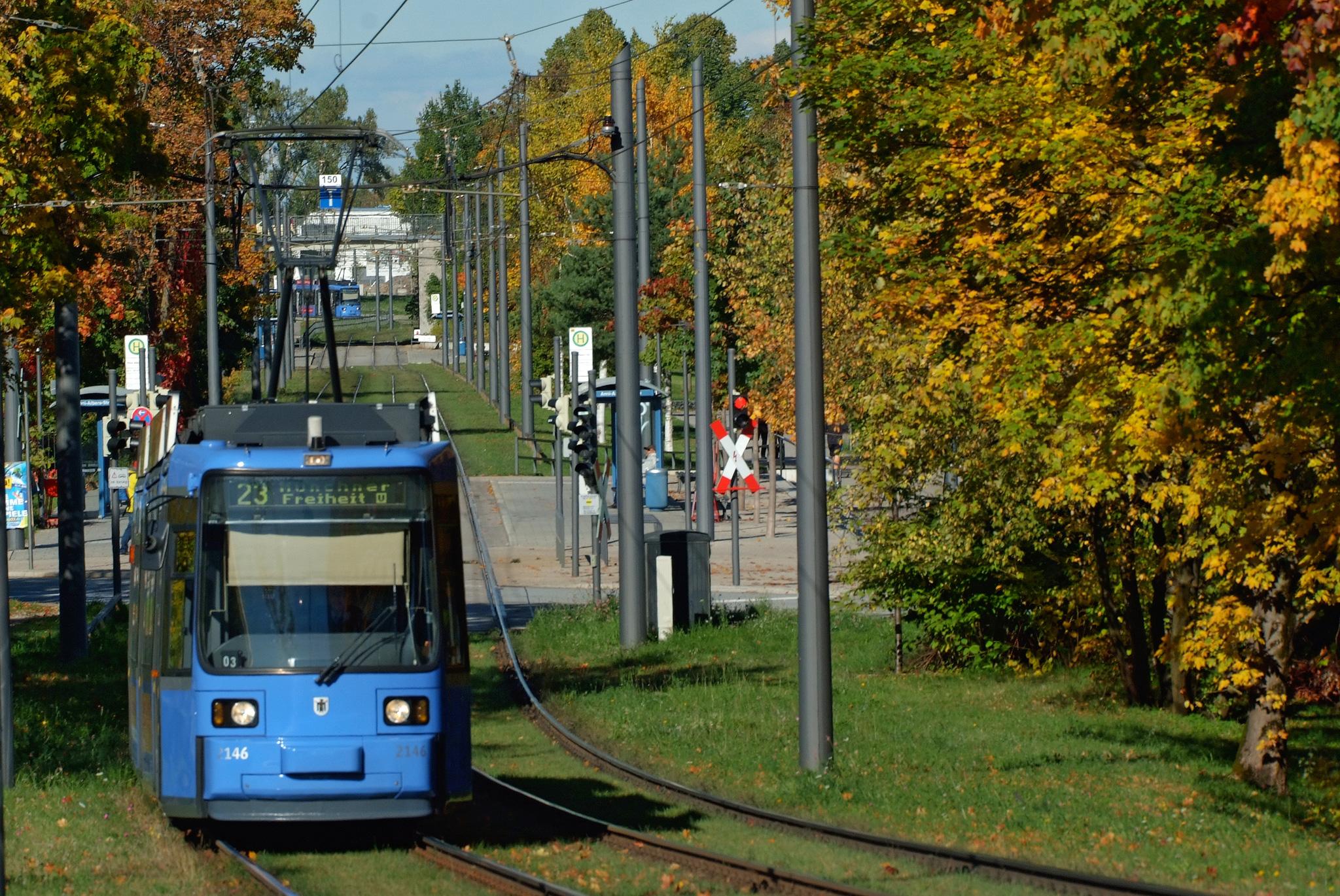 Straßenbahn R2.2 (2146) nach dem Redesign