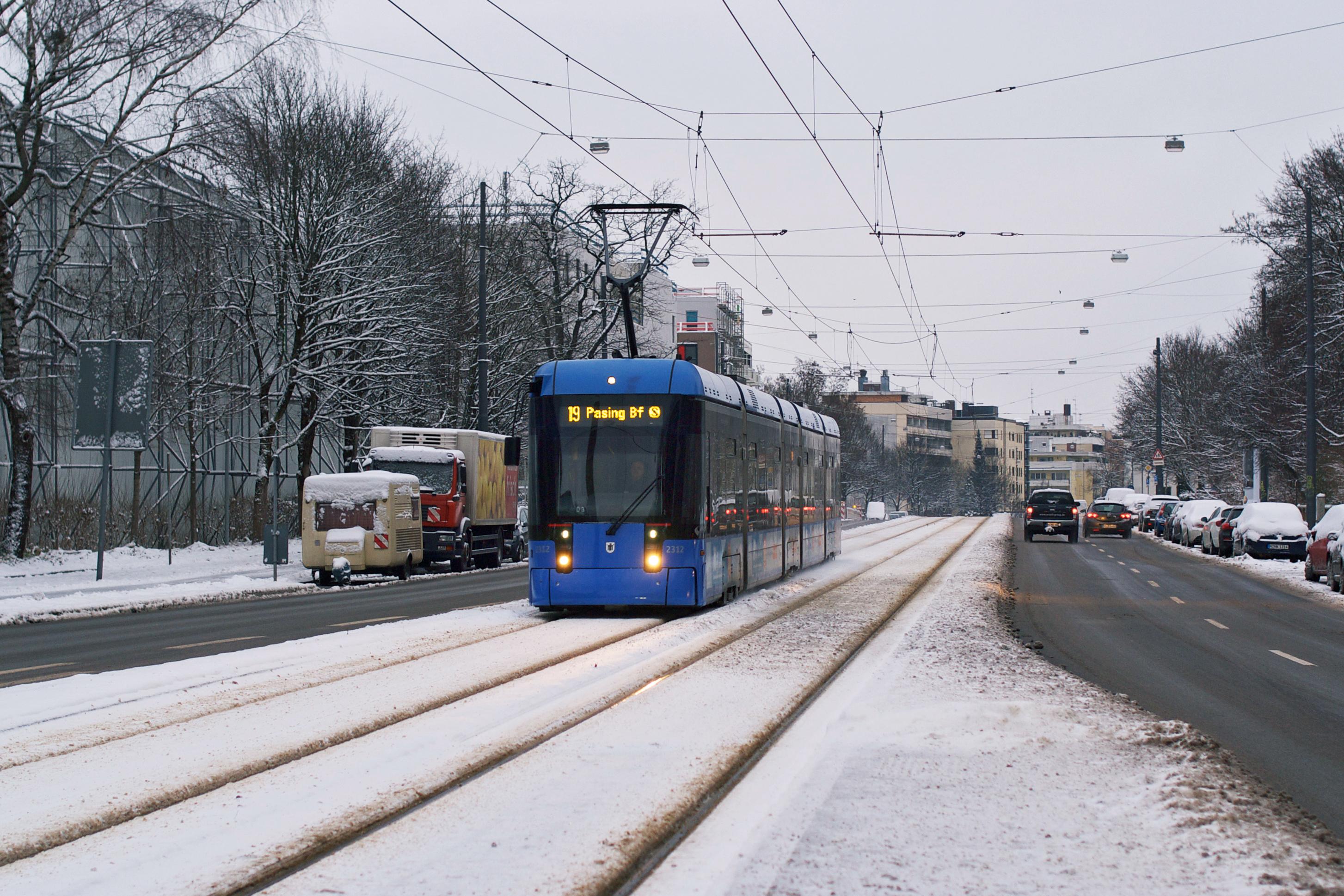 Variobahn 2316 in der Berg-Am-Laim-Straße